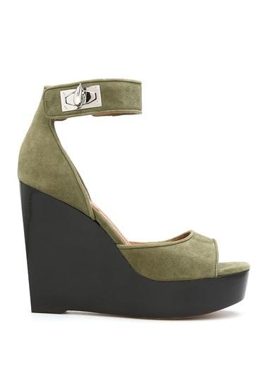 Sandalet-Givenchy